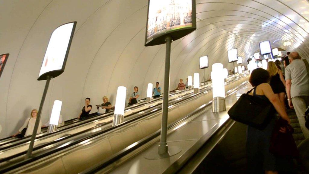 Размещение звуковой рекламы в метро